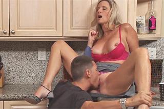 sex s mámou zeť