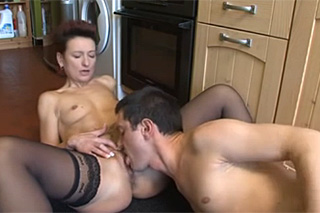 brunetky sex se sousedkou