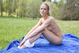Naked yoga lover Alexis Crystal in a meadow!