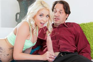 Nezkušená dívka se učí prcat s nevlastním otcem! (Marsha May a Eric John)