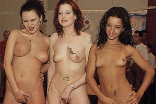 Obrovská gang bang party, aneb Polka Klaudia Figura a Britka Claire Brown podrží!