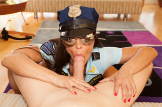 Hot cop Lisa Ann spaciates a dangerous cock