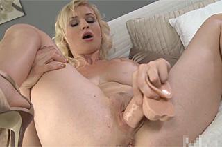 sex v kabince prsatky