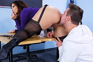 Student anually fucks mature teacher Syren De Mer!