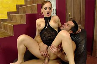 Pornokalendář DV 28.8 – Augustýn opíchá ženě čerstvě oholenou kundičku