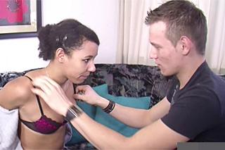 Pornokalendář DV 30.1. – Oslavenec Robin dostane od spolubydlící erotický dárek!