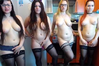 Pornokalendář DV (Daniel, 17.12.) – Čtyři lesbičky v kuchyni