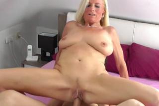 Pornokalendář DV (Jarmil, 2.6.) – Dirty Tina šoustá s exmanželem až do vyšplíchání kundičky!
