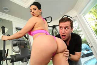 Pornokalendář DV (Jarmina, 4.2.) – Prdelka Bella Reese a její sexuální workout!