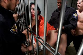 Pornokalendář DV (Klement, 23.11.) – Angell Summers znásilněná ve vězení – BDSM porno