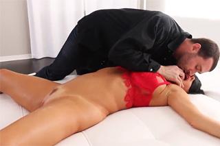 Pornokalendář DV (Vojtěch, 23.4.) – Svázaná Veronica Avluv – squirt porrno
