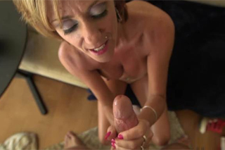 Nubile milf enjoys a fucking and an oral sex on camera