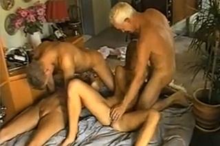 orgie porno klipy sání velký nesestříhaný penis