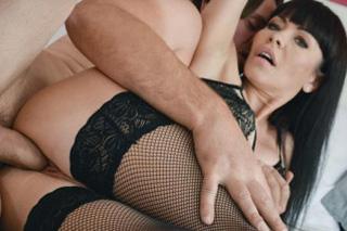 Romantická Sasha Colibri se nechá ošukat ve svůdných silonkách!