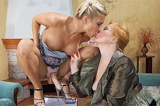 Ruská lesbička Betsey Kite rozvášní milenku připínacím pérem