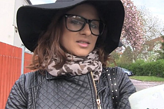 Rychlý prachy aneb Public Agent v českých ulicích (Billie)