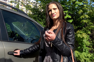 Rychlý prachy aneb Public Agent v českých ulicích (Nicoletta)