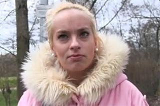 Rychlý prachy aneb Public Agent v českých ulicích (Studentka hotelovky)