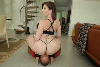 Sarah Jay: Bootylicious mature riding a long cock!