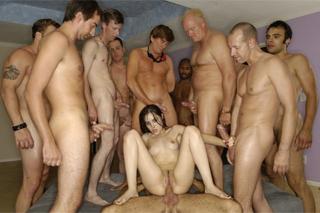 Brazílsky porno GangbangTaylor Hayes fajčenie