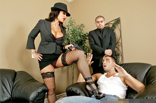 Mafia boss Lisa Ann clamp down on the debtor's penis