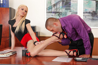 Secretary Vanda Lust jerks his boss off with her feet