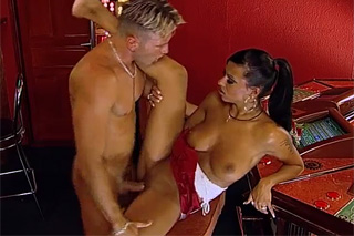 Waitress Black Diamond fucking with a last bar guest