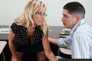 Sex ve třídě, aneb úča Reagan Anthony a student Alex Gonz