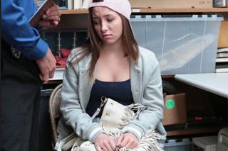 Sexuální potrestání 18-leté zlodějky Hayden Hennessy