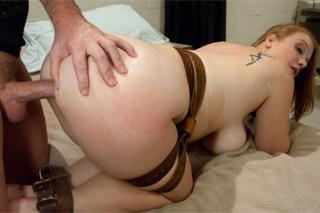 Sierra Skye mučená a opíchaná zvrhlým doktorem – BDSM porno