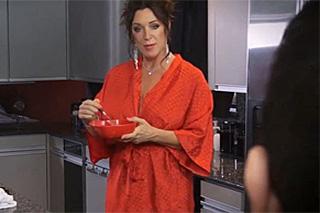 Snídaně a soulož s macechou Rachel Steele!