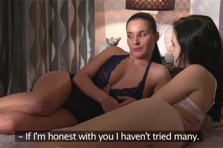 Roommates Lucia Denvile and Anie Darling try lesbian intercourse - Czech porn