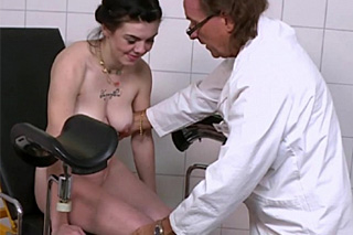 Old gynecologist screws patient (Scarlet Rose)