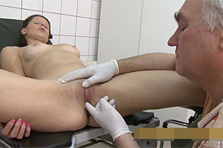 Old gynecologist examines pussy of young patient  Czech porn