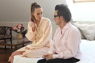Starší lesbo motyky lízat sebe Žádný sex s přítelkyní