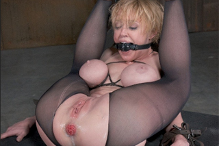 Dee Williams gets tied up and anally banged - BDSM porn