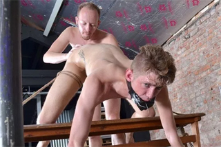 Tristan Crown a Sean Taylor v BDSM akci – gay porno