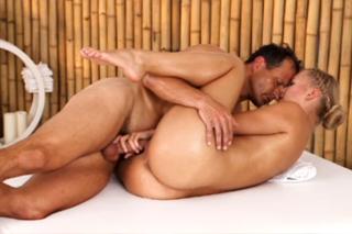 Violette Pure is having orgasm during massage - Czech porn