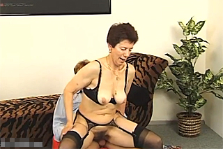 erotika babičky sex trojka
