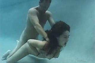 sex pod vodou vlhke divky
