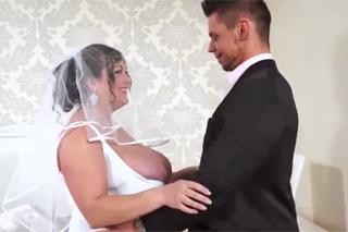 Ženich ošuká baculatou nevěstu před obřadem! (Angelo Godshack)