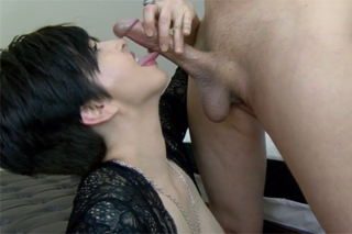 Hot mature performs oral sex