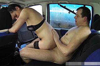 Známý český řidič přefikne další pouliční prostitutku!