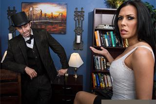Zvrácená podnikatelka dostane tvrdou šukací lekci! (Rachel Starr a James Deen)